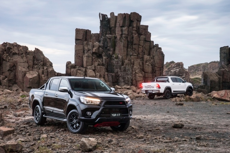 17_HiLux_TRD_Accessories_01hr.jpg