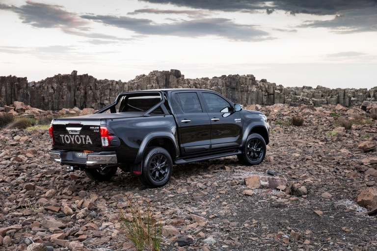 17_HiLux_TRD_Accessories_05hr.jpg