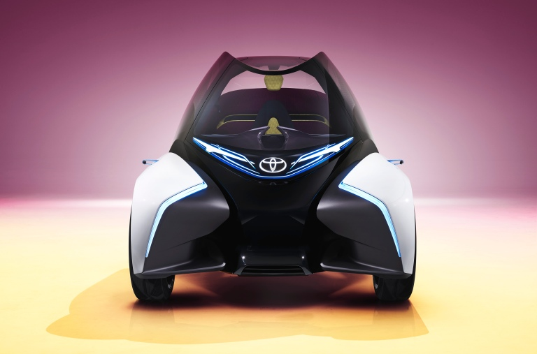 2017_Toyota_Concept_i-Tril_Static_12hr.jpg
